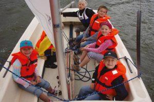 Schnuppersegeln für angehörige Kinder und Jugendliche @ Segelschule Overschmidt am Aasee